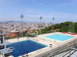 Claire 39 s perfect day in barcelona homage to bcn for Piscina montjuic barcelona